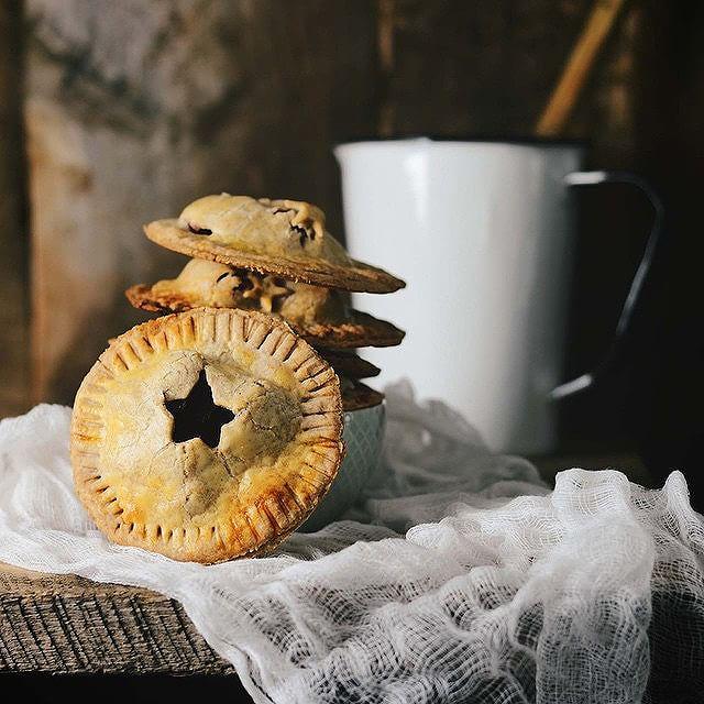 Mulled Wine Apple Mini Spelt Pies