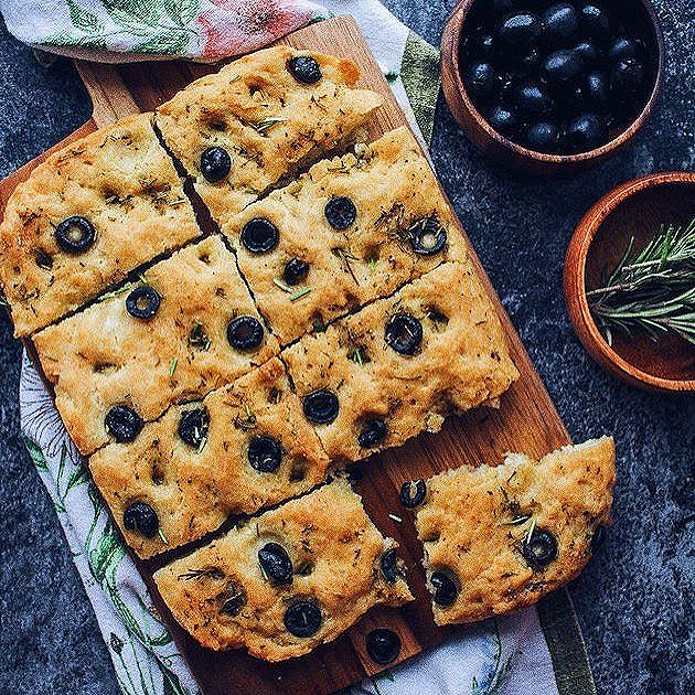 Eating my body weight in this gluten free vegan focaccia and I'm not mad about.