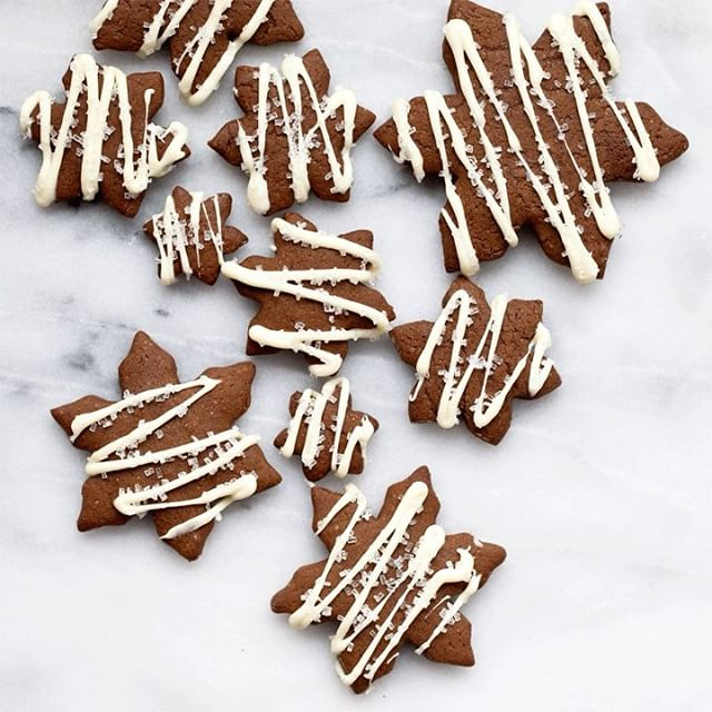 Gingerbread Snowflakes With White Chocolate Drizzle Recipe The