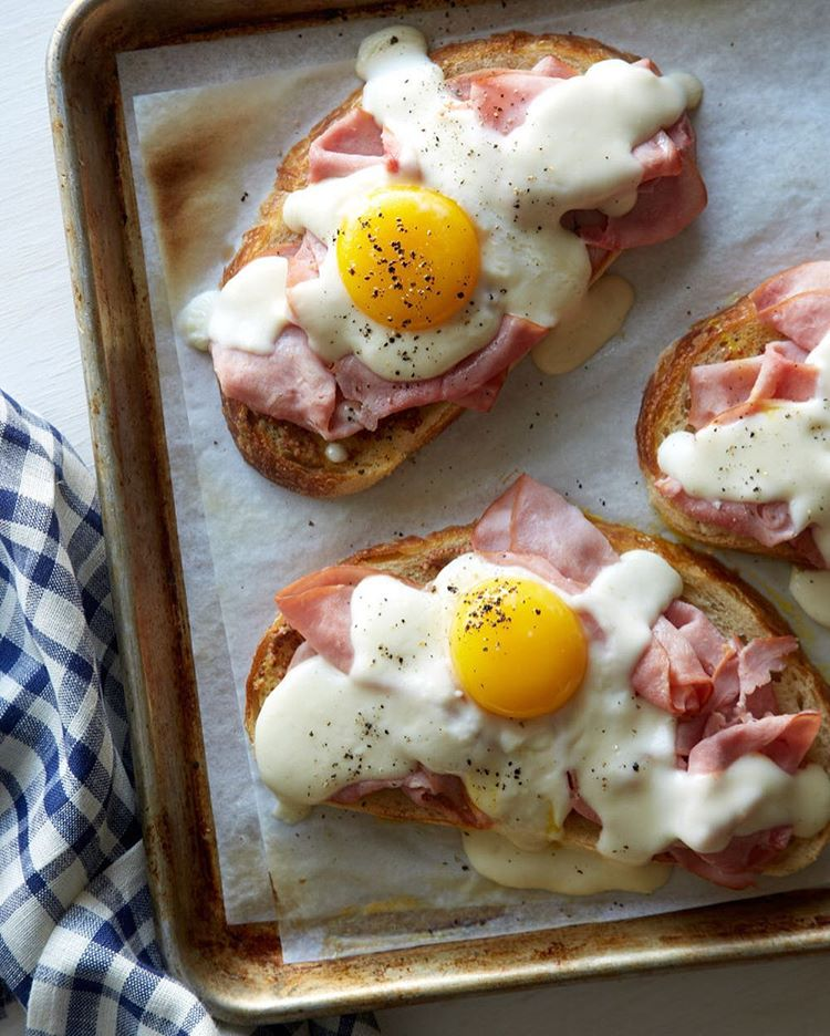 Good morning happy Sunday! Croque Madame Toast