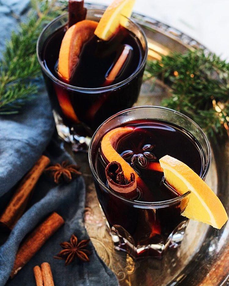 Spiced Apple Cider Bourbon Mulled Wine