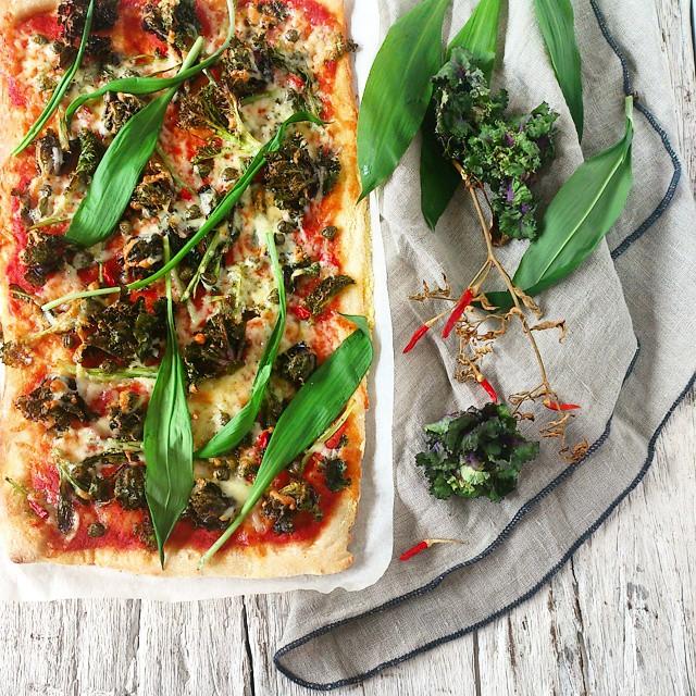 Kale, Wild Garlic & Chilli Pizza
