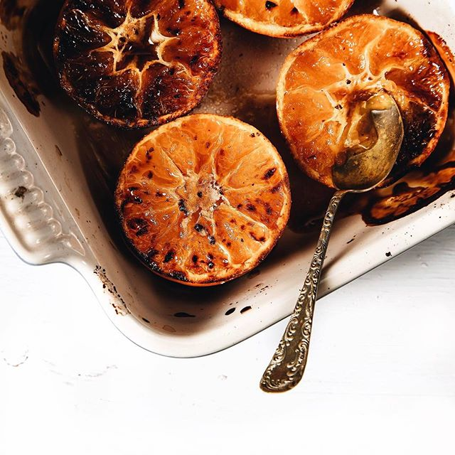 Clementines with freshly ground cloves and caramelized crust ?on the blog, link it profile!