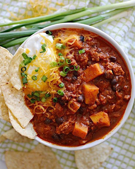 Cozy Saturday nights snuggled up on the couch filled with this chili, movies and coloring. Can't…