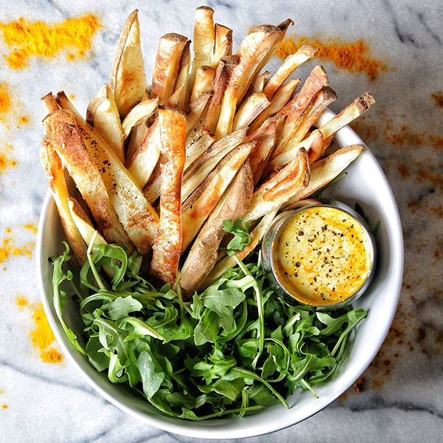 Crispy Baked Fries With Tangy Lemon Dressing