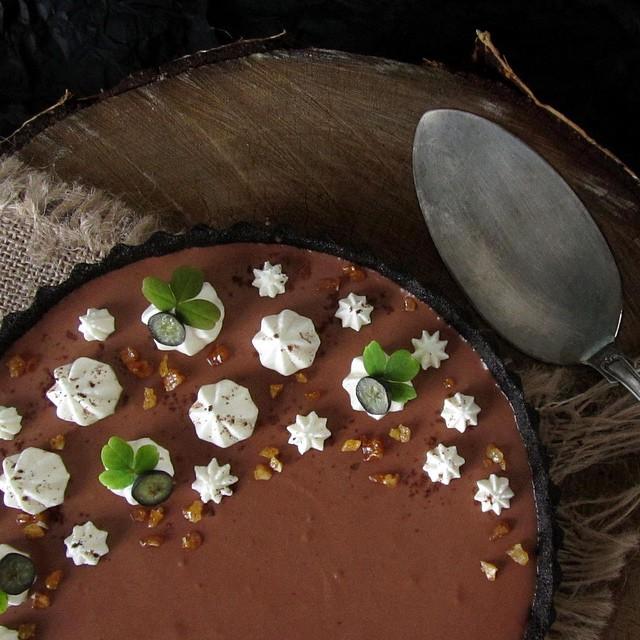 No-bake Oreo-chocolate-mousse-tart