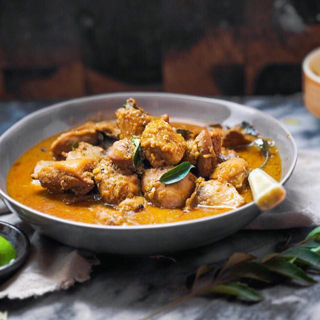 Chicken Curry In Coconut Milk, Fenugreek Seeds & Red Chillies