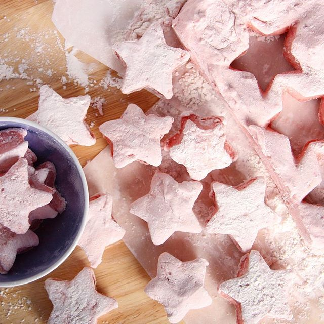 M A R S H M A L L O W S // + stars when chloé wants pink marshmallows, we use beetroot powder!! A…