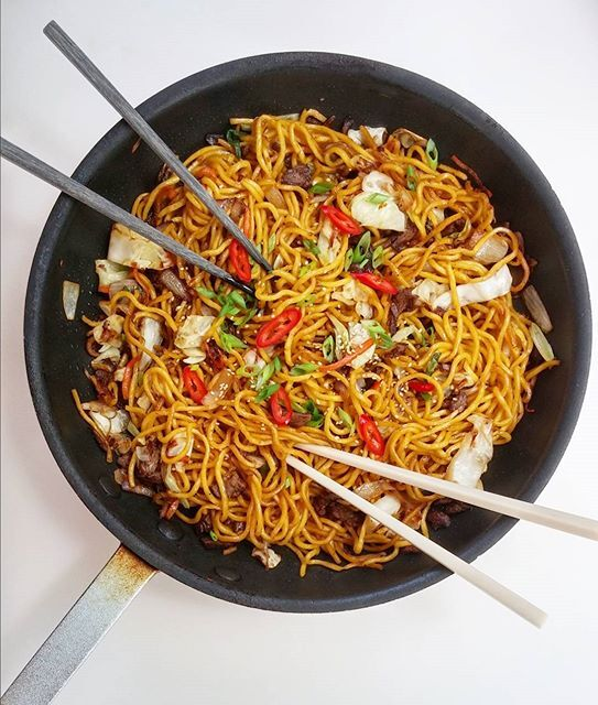 Pan Fried Noodles By Kmcooks Quick Easy Recipe The Feedfeed