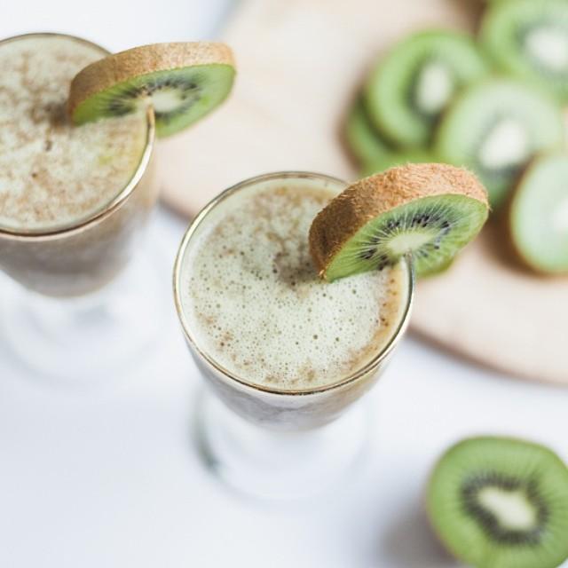 Kiwi Prosecco Cocktail