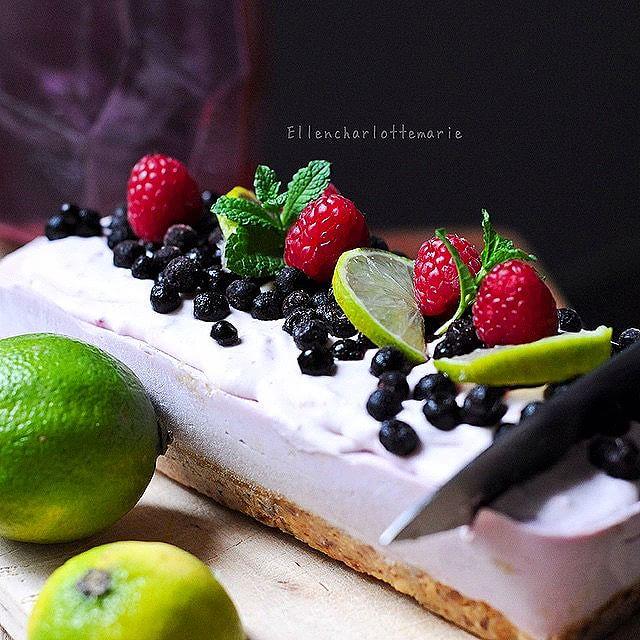 Vegan Raw Raspberry Lemon Cheesecake