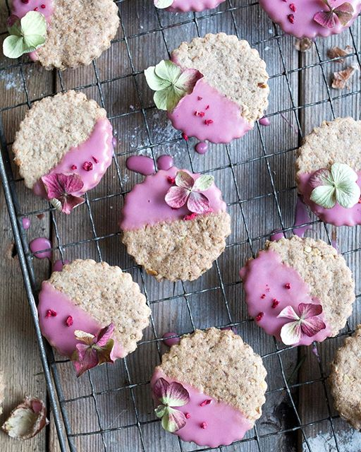 Counting down by featuring some of my favourite recipes from the blog this year and these #vegan…