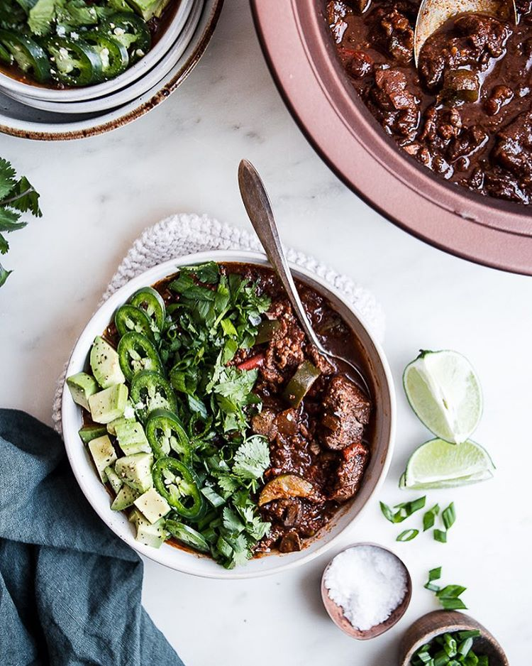 You can never have to many chili recipes...am I right?? Even after the Super Bowl is over. Plus this…