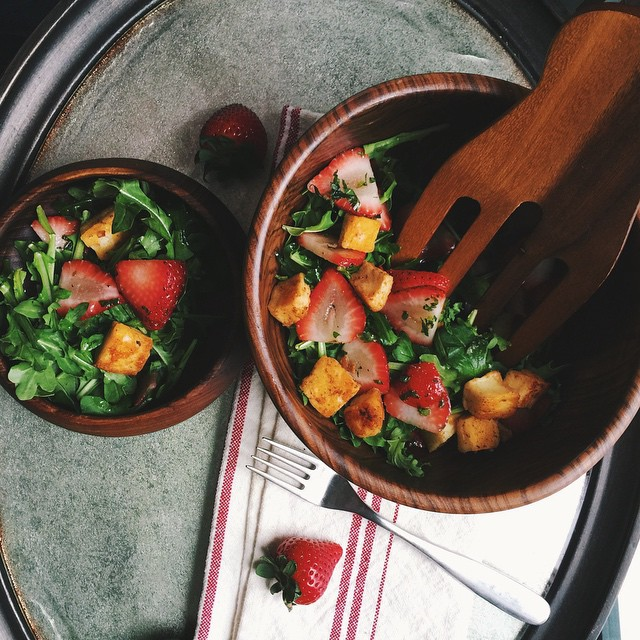 Strawberry Fried Halloumi Salad