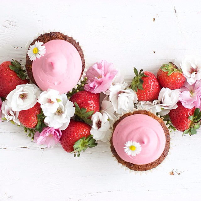 Almond Flour Strawberry Cupcakes