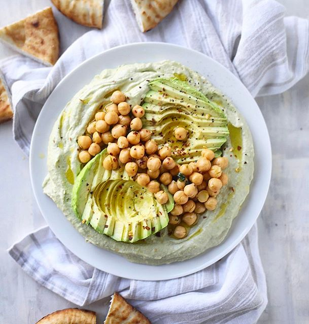 my new favorite thing until my next favorite thing comes along: this creamy, dreamy avocado hummus!