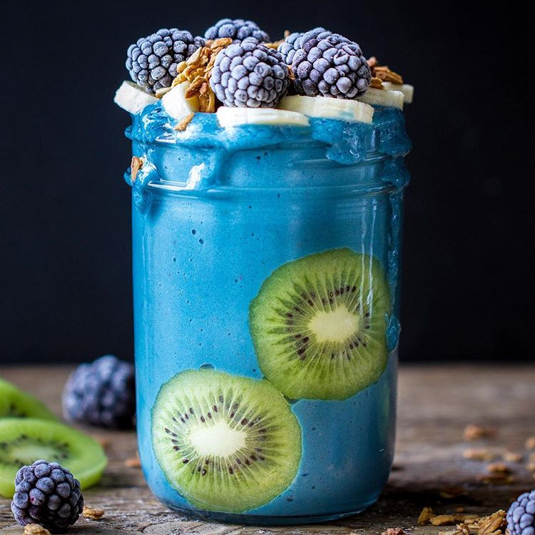 Blue Spirulina Smoothie