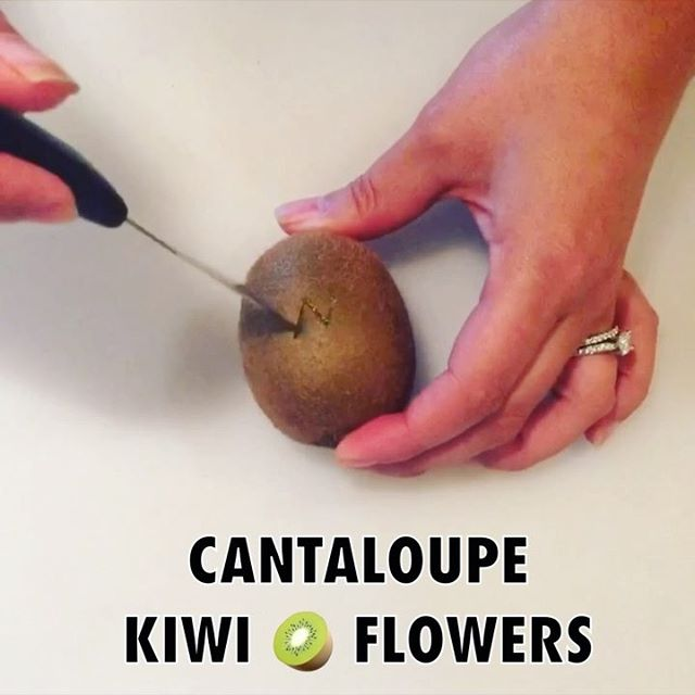 🍈🥝🌻 CANTALOUPE KIWI FLOWERS --- Sorry for the overload of fruit videos lately, but I've been feeling…