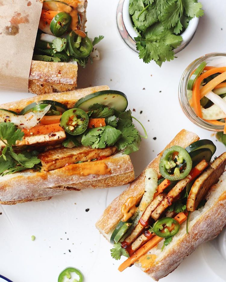 This marinaded tofu banh mi with homemade spicy sauce was soo good and super easy + quick to make…