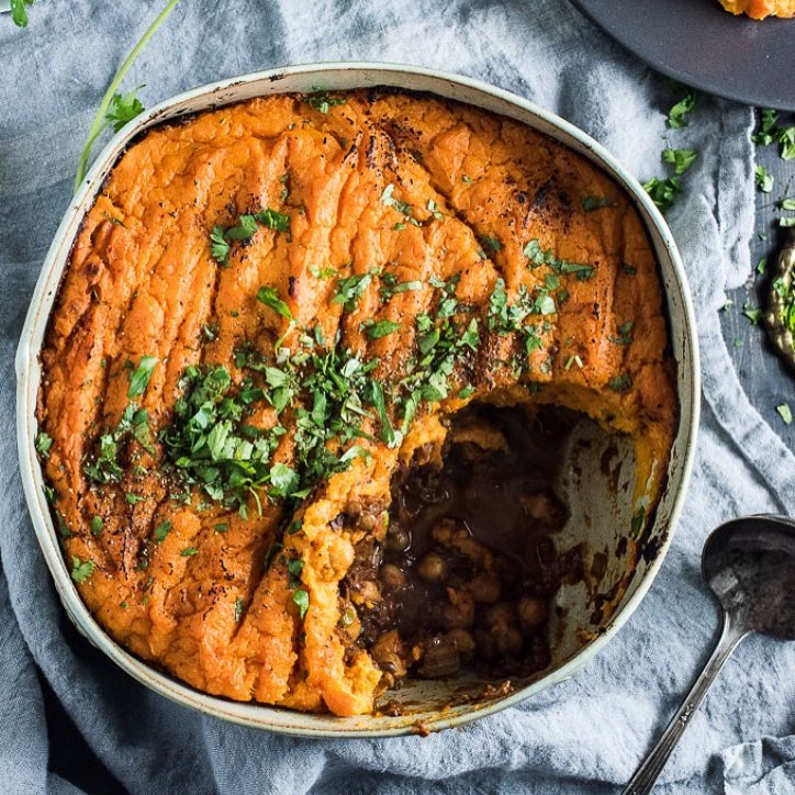 This vegan shepherd's pie is the ultimate healthy comfort food with tons of flavor thanks to curry…
