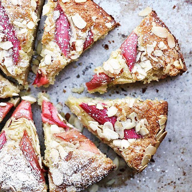 Easy Rhubarb Cake Recipe