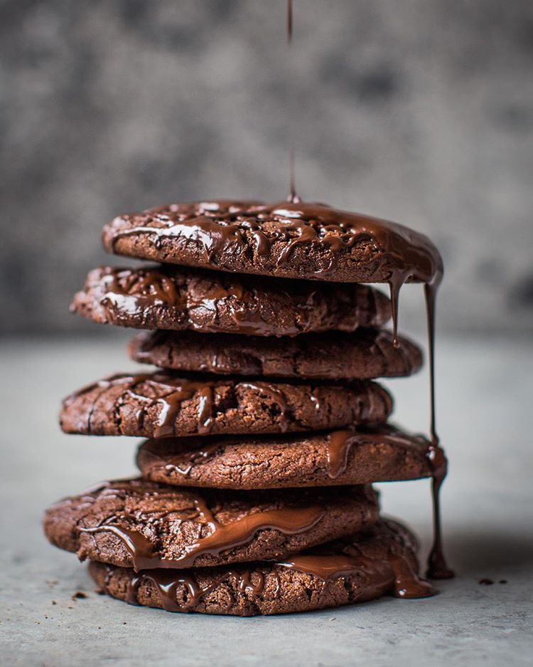 Meet your new favourite cookie. Crispy and chewy chocolate biscuit + moreish chocolate chunks +…