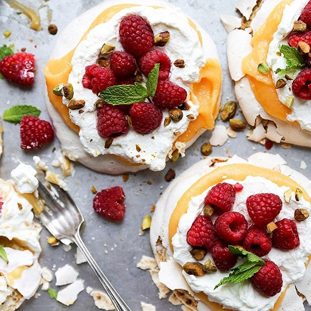 Papaya Curd And Pistachio Pavlovas
