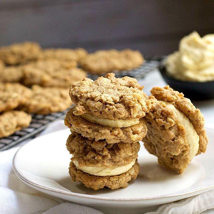 Oatmeal And Vanilla Buttercream Sandwich Cookies