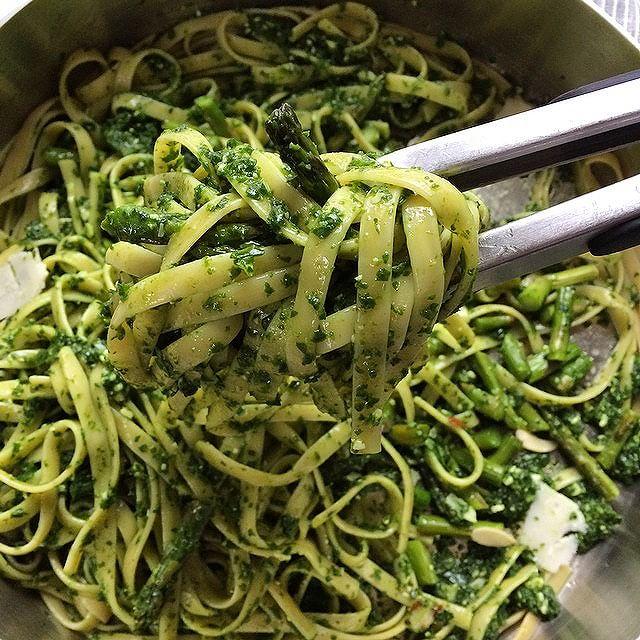 Lemon, Pesto And Asparagus Linguini