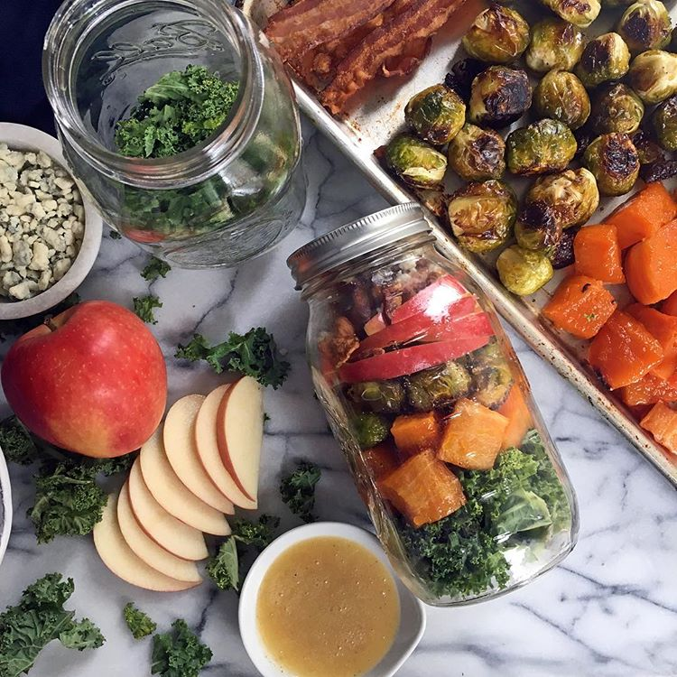 Who's up for some mid-week meal prep?! Brining you a little inspo to celebrate Earth Day this week…