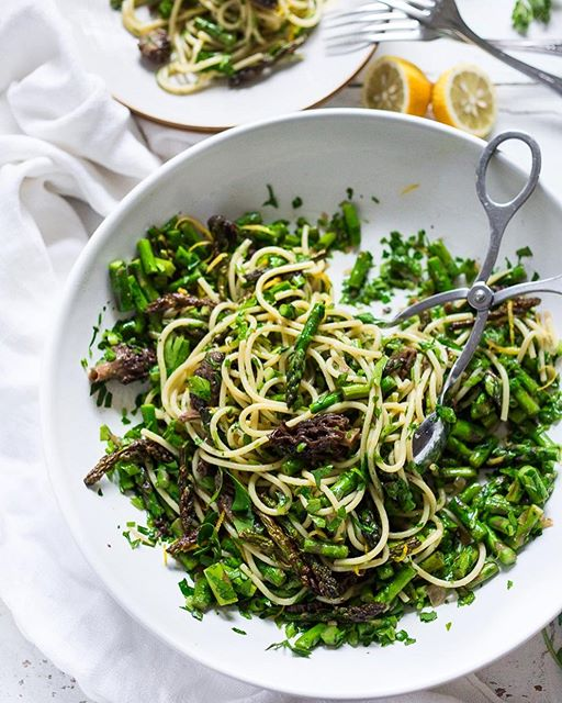 Spring Pasta Salad with Morels (or any mushroom), Asparagus and Lemon Parsley Dressing is quick and…