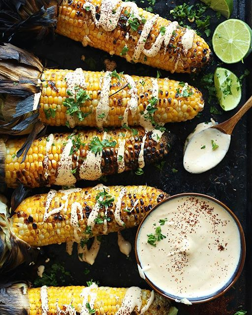 Corn season is almost here! Try this PERFECT grilled corn with a savory, spicy Sriracha aioli. A…
