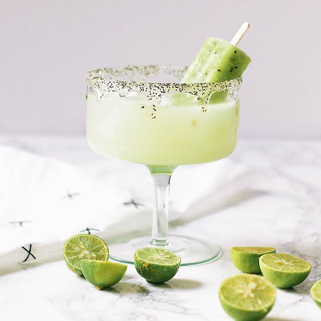 Today on the blog: this delicious kiwi and key lime margarita.  I originally dreamt it up for Cinco…