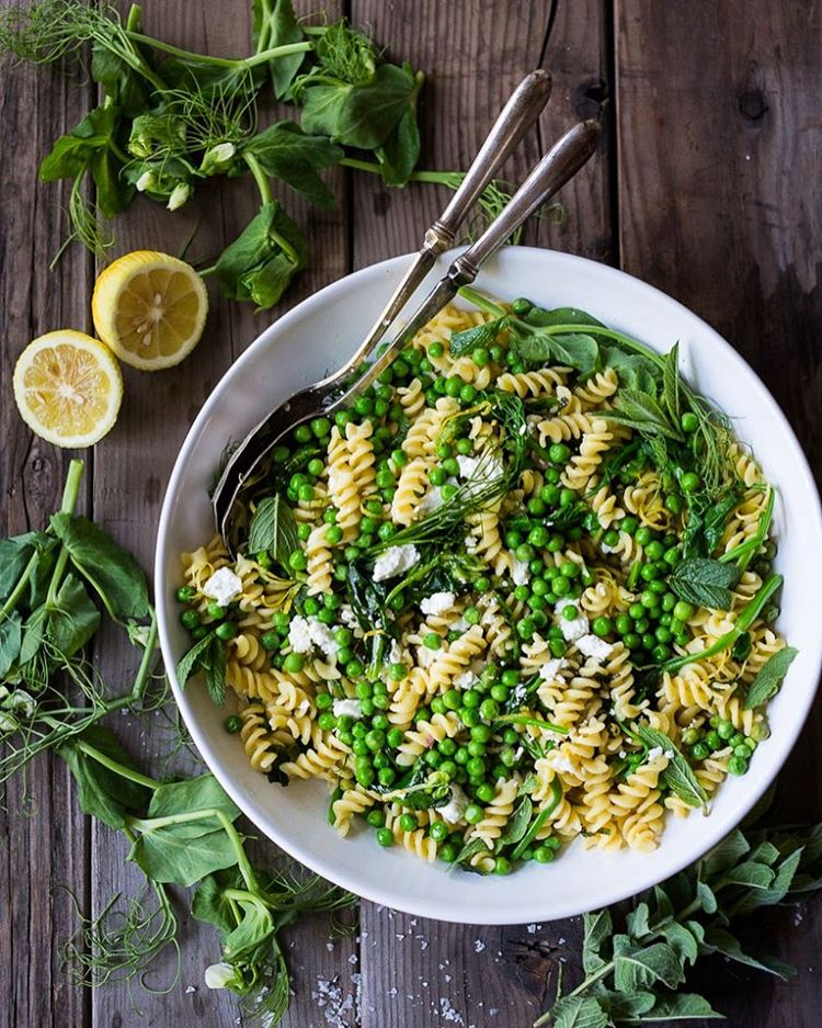 Here's a simple recipe for Spring Pea Pasta with truffle oil, lemon and mint... one of my favorites!…
