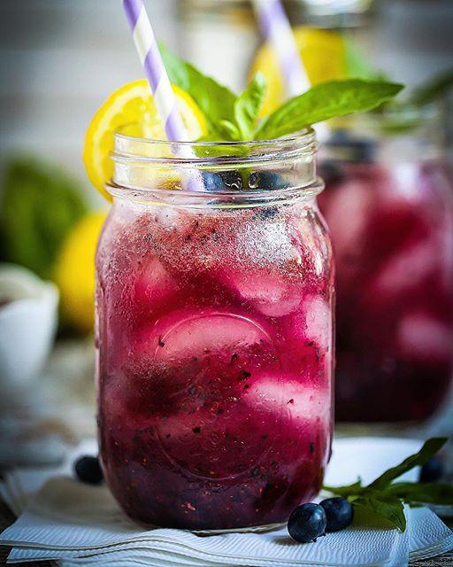 Basil, Blueberry & Lemonade Cocktail