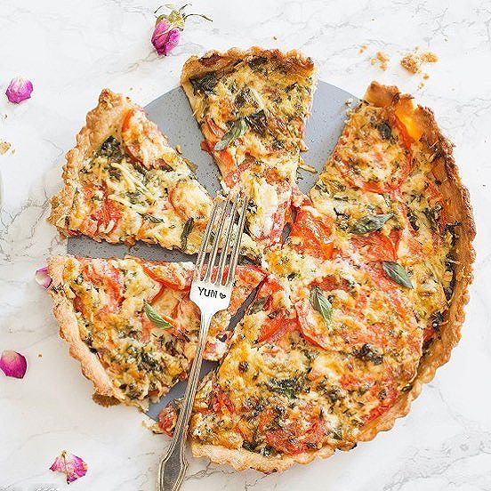 Basil Tomato Tart With Mozzarella