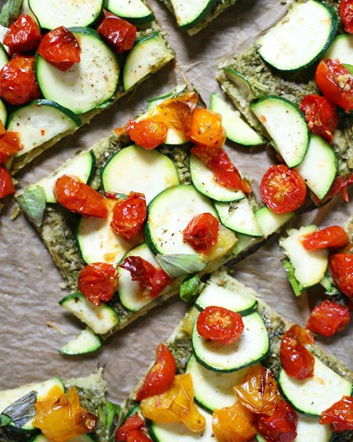 When you're in a 🍕 mood, make this homemade gluten-free quinoa crust pizza with pesto, zucchini, and…