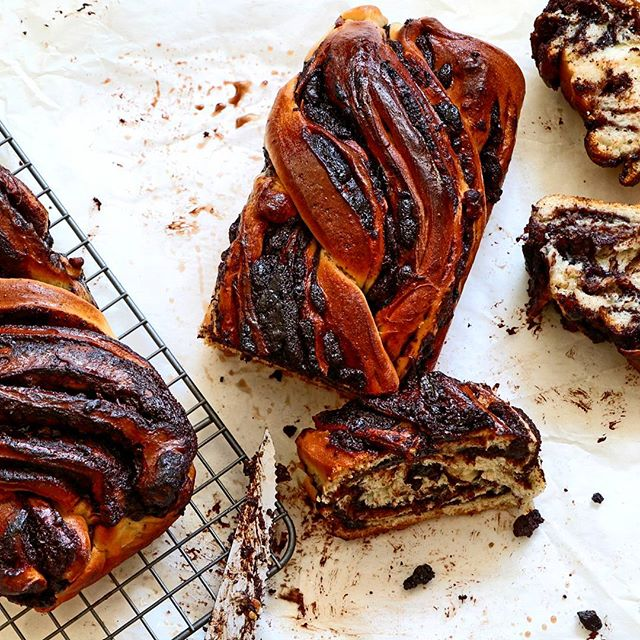 I just had to share this chocolate babka I made today! This is the best babka I ever made.