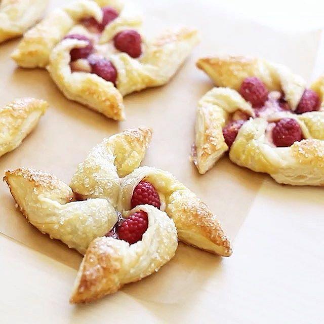 Rasberry And Cream Cheese Pinwheels