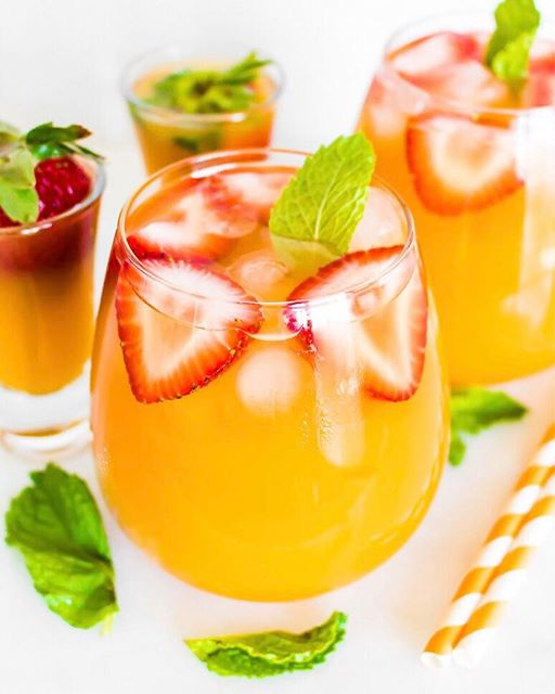 Strawberry Peach Mint Belinis Fun juice Fridays! at least that's what I like to call it. Treat…