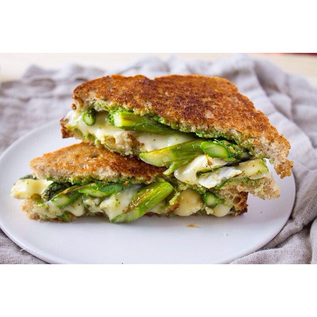 Whole Wheat Asparagus And Brie Grilled Cheese With Arugula Pesto