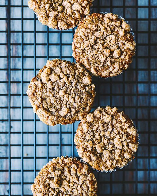 Brown butter banana muffins with gooey chocolate chips & sweet streusel topping!! Oh, and did I…