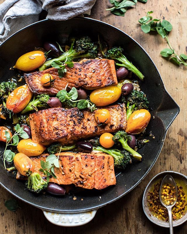 Sicilian Style Salmon With Olives, Broccoli And Tomatoes