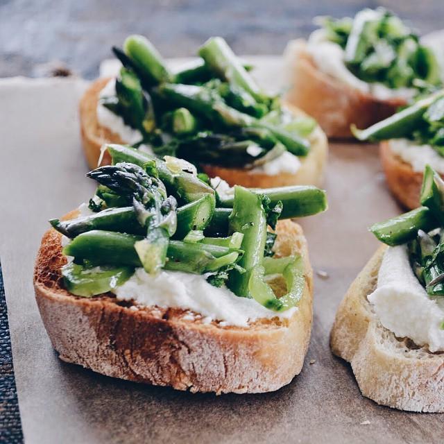 Mint, Asparagus, Pea And Ricotta Crostinis