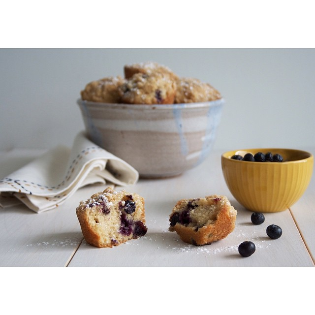 Blueberry Crumble Muffins With Cinnamon & Almond Milk