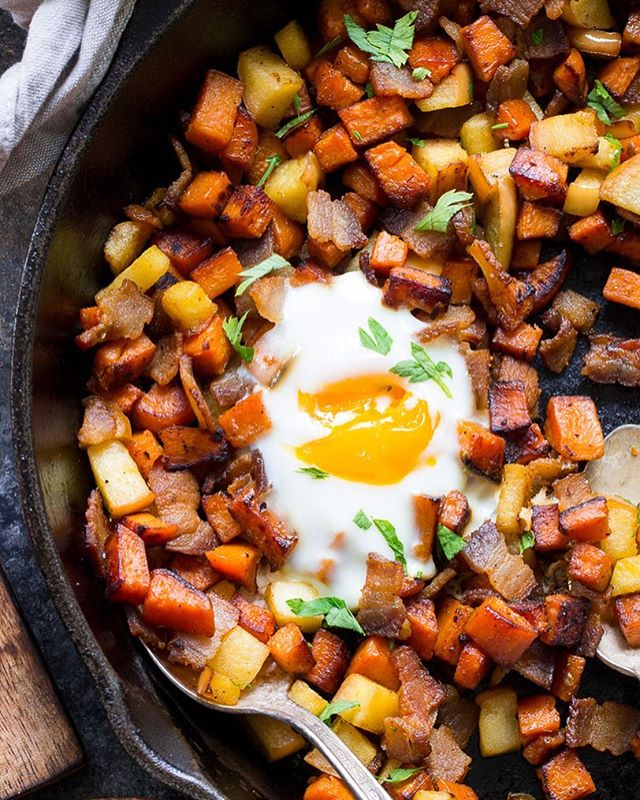 I remade this sweet potato hash with apples and bacon in stories today and updated the photos for…