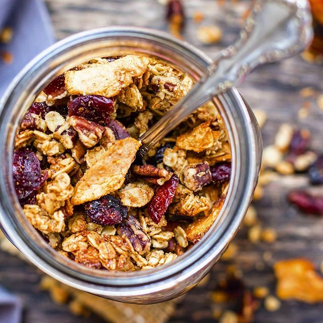 Craving a salty-sweet and crunchy snack when you're on-the-go?  Maple Pecan Apple Cinnamon Granola…