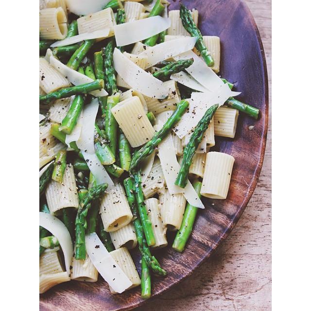 Lemon & Asparagus Garlic Pasta