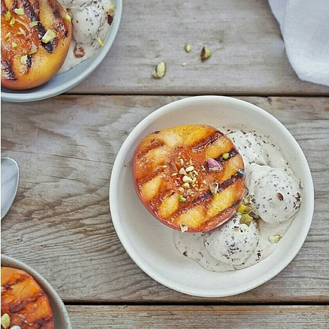 Grilled Peaches With Pistachio Ice Cream