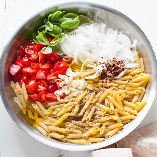 One-pot Tomato & Basil Penne Pasta